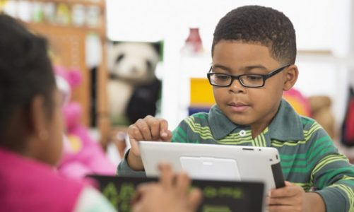 What are the benefits of online preschool learning program?